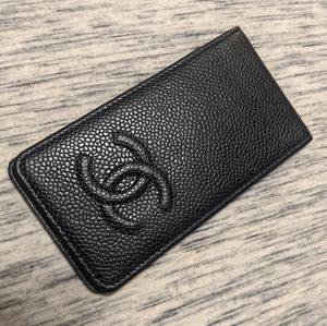 Chanel card holder - cover in black caviar leather